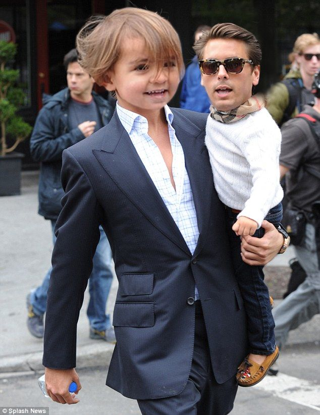 Mason takin LD out for a stroll  i'm literally screaming i have to print this out and hang it up