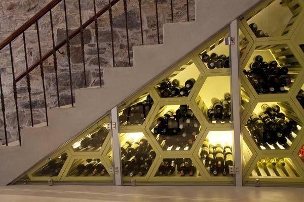 Bodega debajo de la escalera