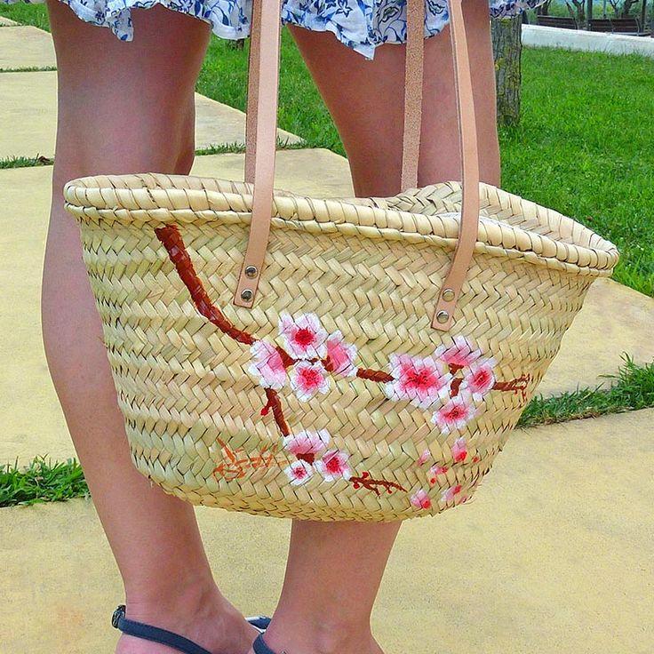 El tercer bolso es una rama de cerezo en detalle... #bolsos #capazos www.artaliquam.com