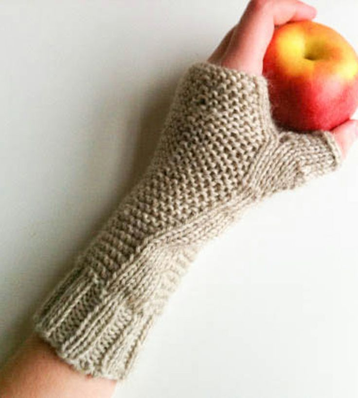 Knitting Pattern For Hobo Gloves : 73 best images about Cable Knit on Pinterest Cable knit blankets, Warm and ...