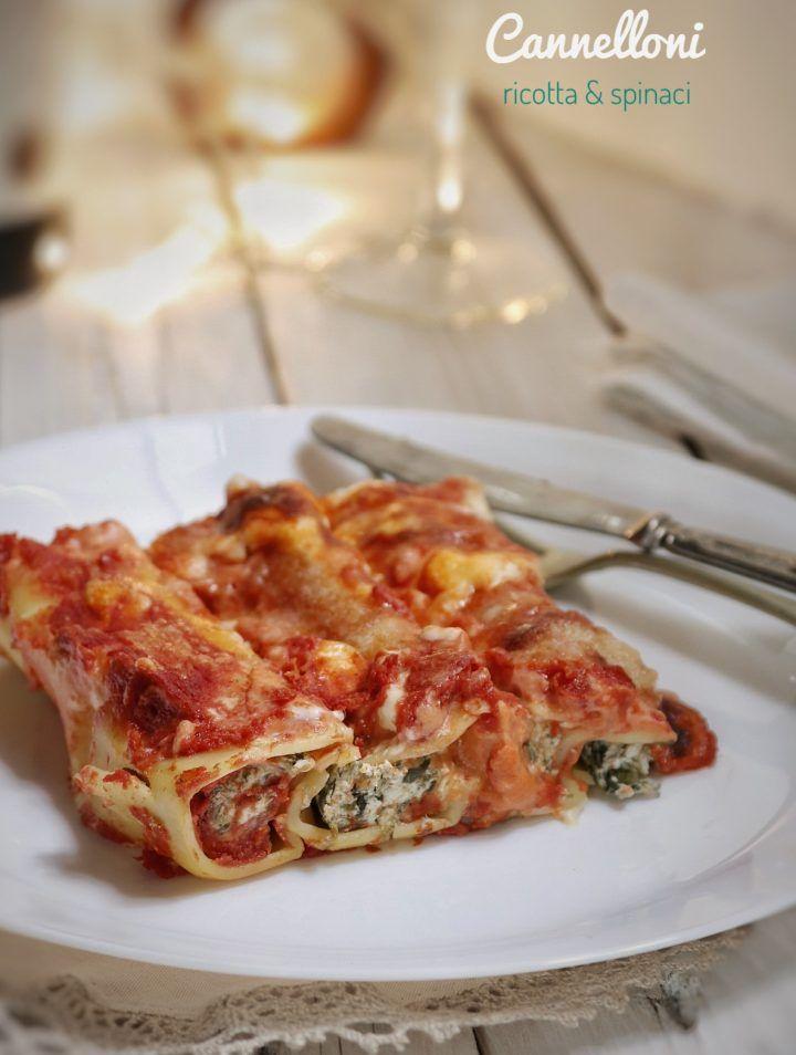 CANNELLONI RICOTTA E SPINACI AL SUGO, RICETTA MAMMA PINA Un piatto che si rivelerà un vero successo e che arricchirà con tantissimo gusto il vostro pranzo. Un piatto perfetto per ogni occasione e soprattutto un piatto perfetto per tutta la famiglia.  http://blog.giallozafferano.it/sognandoincucina/cannelloni-ricotta-e-spinaci-2/