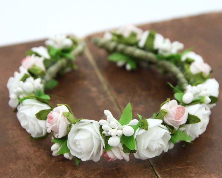 Haaraccessoires - Hoofdband met bloem / Bloemen diadeem - Een uniek product van LolaWhite op DaWanda