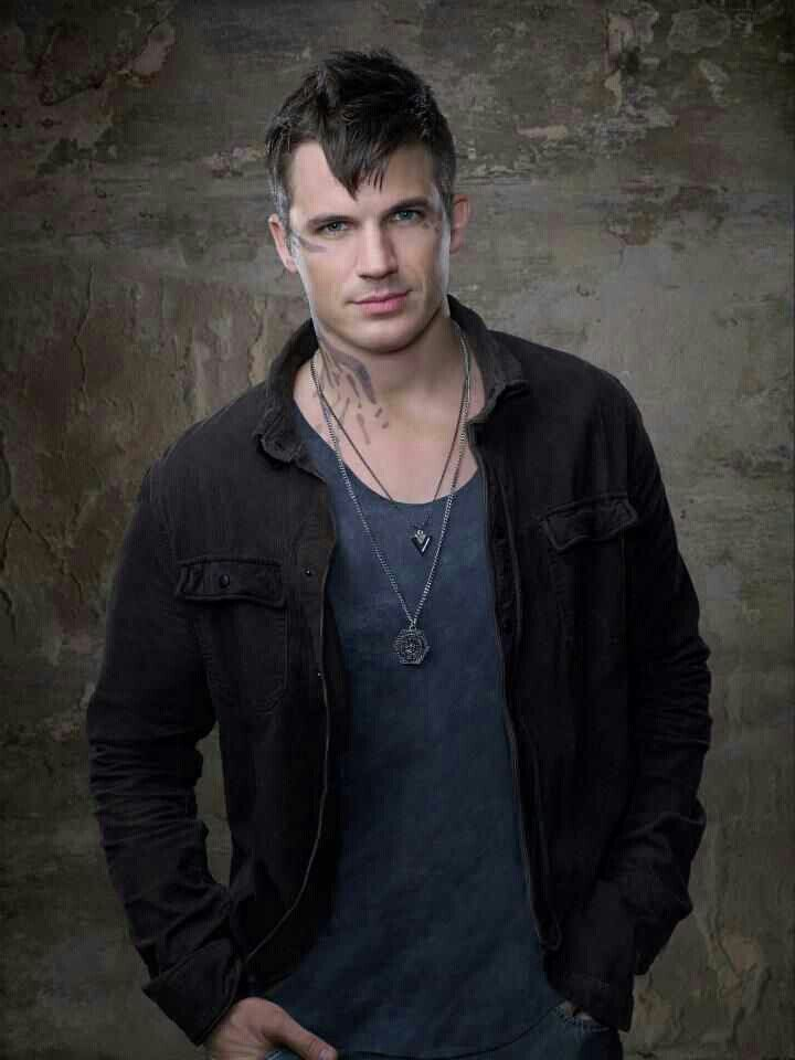 Star Crossed. Not sure about the show but this guy sure is Hott!!