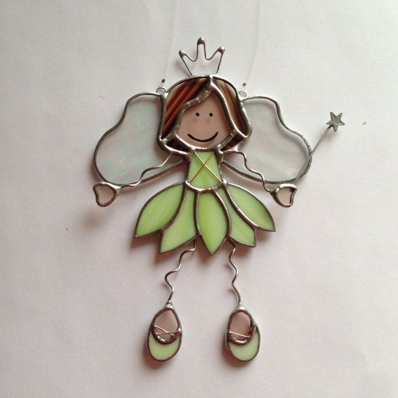 Princesa de hadas vidrieras Suncatcher por FoxStainedGlass en Etsy