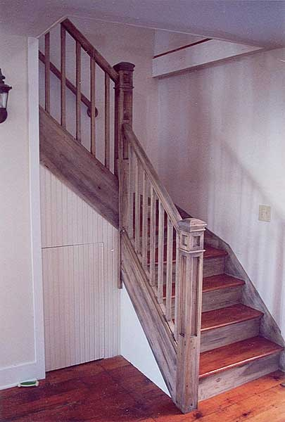 corner stairs  Driftwood Decor added to Poplar stair
