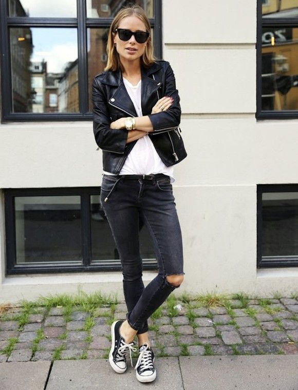 Avec quoi porter des Converse noires basses ? Un look casual rock à copier >> http://www.taaora.fr/blog/post/idee-tenue-rock-blouson-cuir-t-shirt-blanc-jean-dechire-noir-converses-noires #converse #outfit #streetstyle
