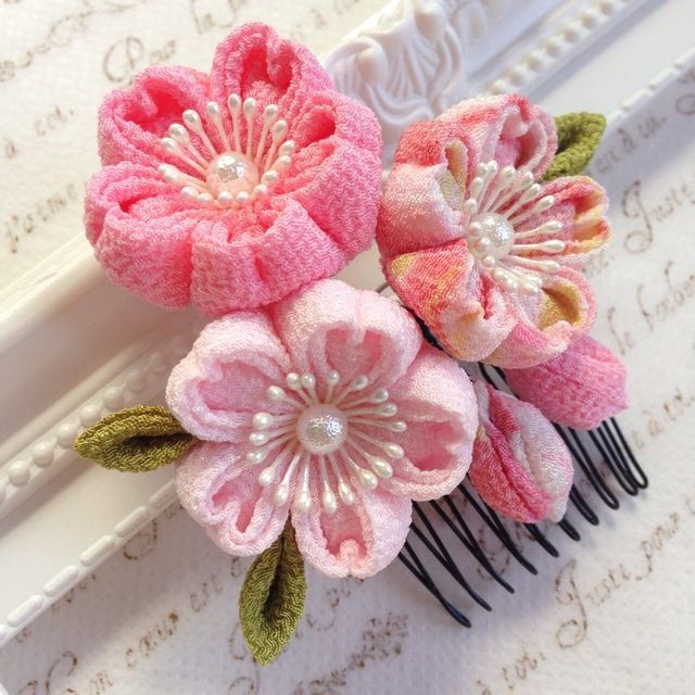 桜の髪飾り✼つまみ細工