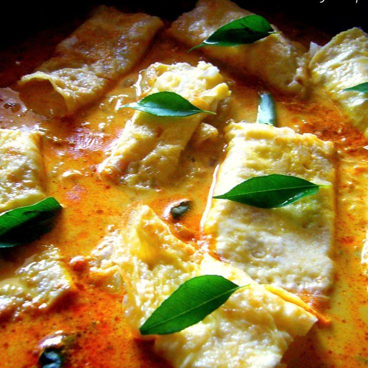 Omelette Curry (Motta Poricha Curry) Recipe
