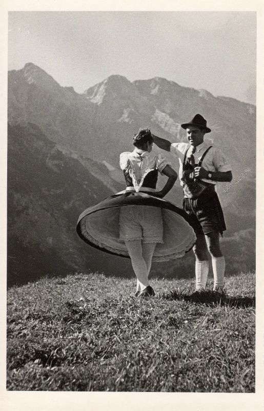 vintage photo, Schuhplattler Dance ( handclapping) Germany ~ another great idea for wall art Lust auf Urlaub in Bayern? :) Hotels findet Ihr hier: http://www.hotelreservierung.com/index.php?seite=hotelsuche-liste&si=ai%2Cco%2Cci%2Cre&ssai=1&ssre=1&do_availability_check=on&aid=318826&lang=de&checkin_monthday=&checkin_month=&checkin_year=&checkout_monthday=&checkout_month=&checkout_year=&ss=Bayern&datePick1=&datePick2=