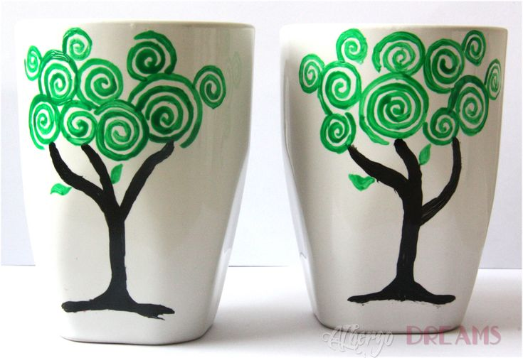simple pottery painting ideas   Ceramic Painting   Albergo Dreams ... Let us call it what it really is ~ An artistic hidden mickey tree :)