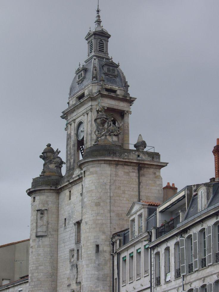 Les 141 meilleures images du tableau la rochelle sur pinterest maison de ville for Grosse horloge blanche