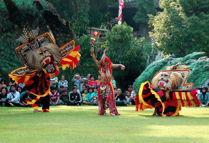 REOG PONOROGO : Reog is a traditional dance that becomes the main identity from Ponorogo regency. By this traditional culture, Ponorogo is also famous as Reog city.    This kind of traditional art dance and theatre has been popular in Indonesian even worldwide. Reog National Festival is being held every years along the anniversary of Ponorogo regency and followed by Grebeg Suro celebration.
