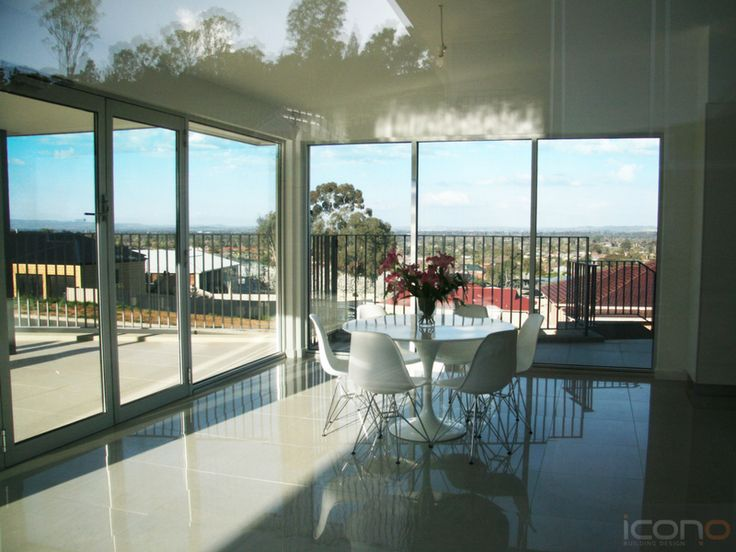 Open kitchen & dining room with a view! #diningroom #Australianhomes #iconobuidingdesign #homedecor