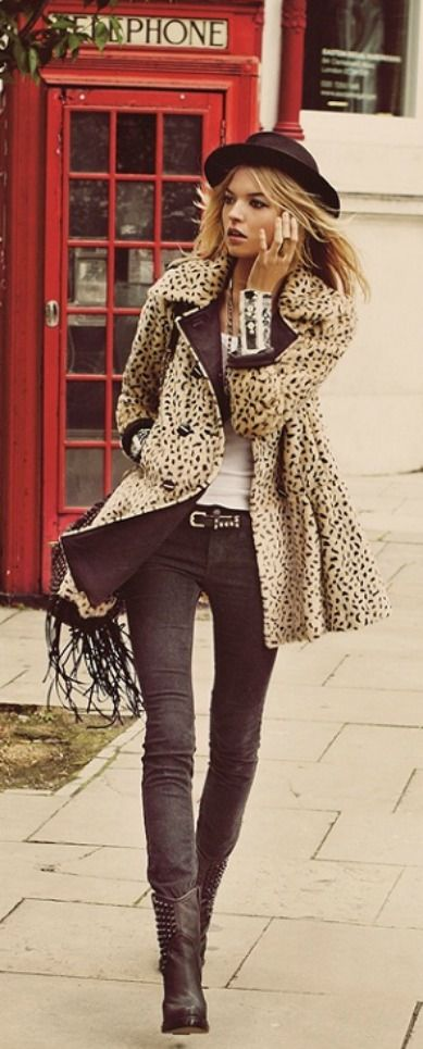 Free People «It Girl» Lookbook. Leopard coat. Black combat boots. Skinny jeggings leggings.