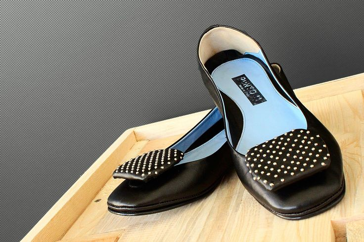 Punto 11 shoes, black ballet flats