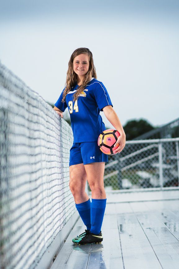 Sports Photography Gallery Lasting Impressions Portrait Studio Based In Bay Shore New York Spo Sports Gallery Female Soccer Players Soccer Girl