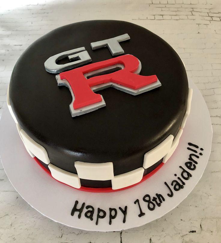 GTR cake make birthday car cake  Sugarbydesign@sugarbydesign