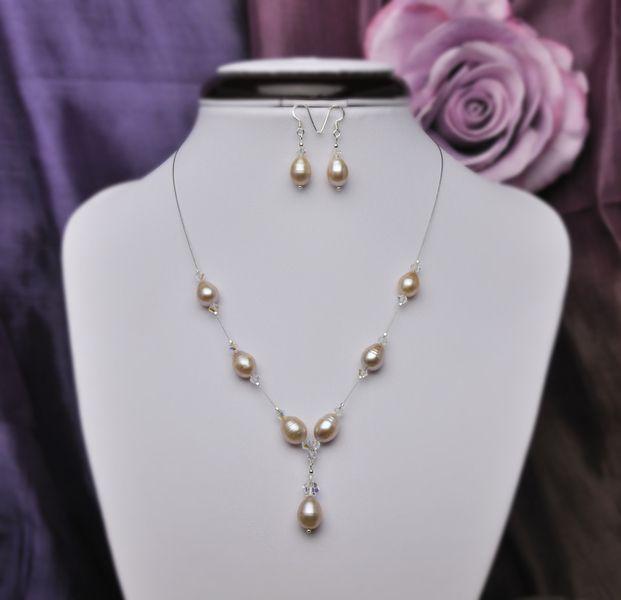 Perlenkette und Ohrhänger  Cremé-Rosé von Brautschmuck Onlineshop von TuktaDesign auf DaWanda.com
