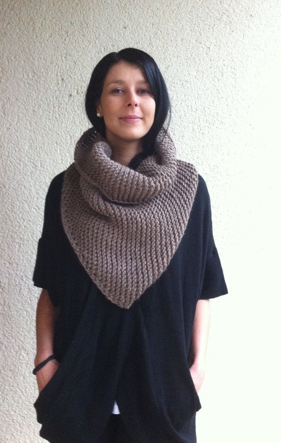 Knitting Pattern for the Triangle scarf or Bandana by Mursulla More