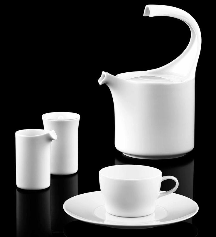 Teekanne, Zuckerdose, Milchkännchen und Teetasse der Form AURÉOLE in weiß_FÜRSTENBERG Porzellan