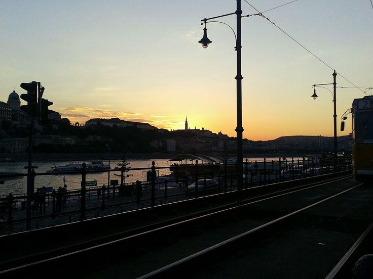 Napfelkelte Budapest