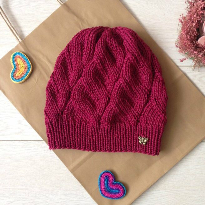 Осенняя шапочка модным узором