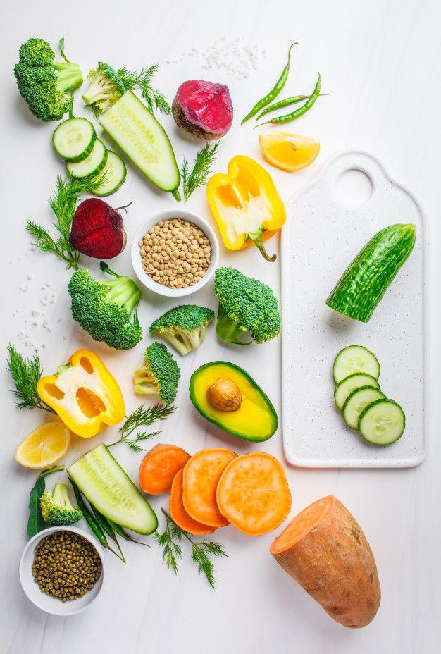 Verduras Legumbres Para Cocinar Ensalad Free Photo Freepik Freephoto Comida Verde Hortalizas Blanco Ensaladas Saludables Verduras Legumbres