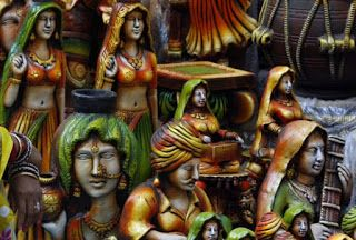HANDICRAFTS FROM THE HOME OF INDIAN ARTISAN