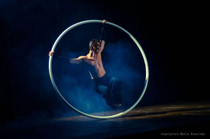 Cyr wheel / simple wheel. Fot. Marta Kowalska WHEELove from Poland #cyrwheel #cyr #polish #art #circus #magic #show