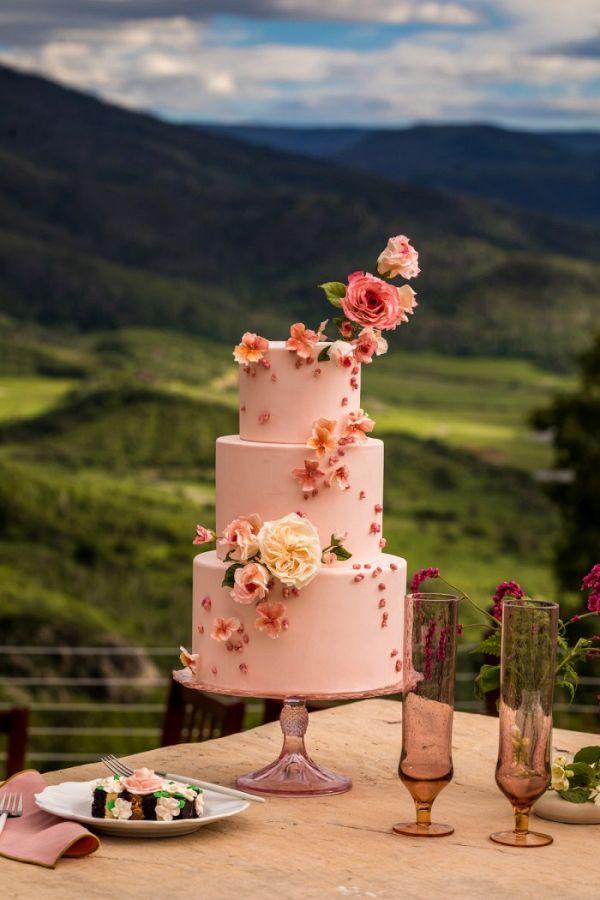 Floral wedding cake  #wedding #weddings #weddinginspiration #engaged #aislesociety #summerwedding