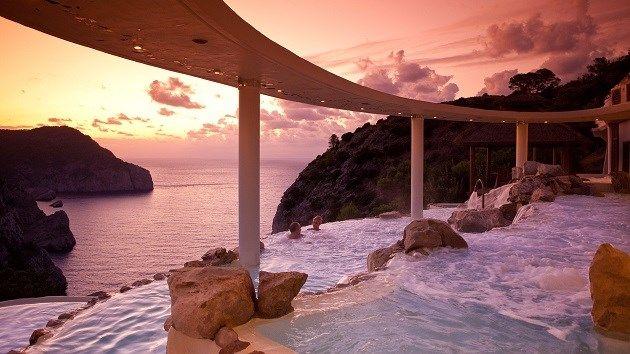 Dit zijn de meest indrukwekkende hotelzwembaden - Het Nieuwsblad: http://www.nieuwsblad.be/cnt/dmf20150804_01803832