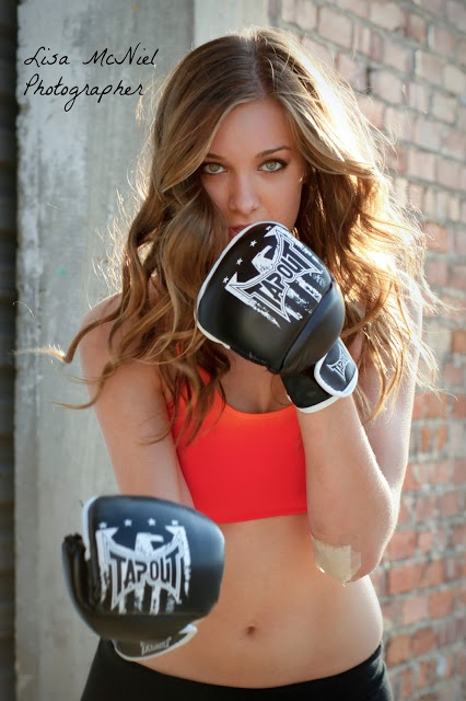 athlete girl click the pic for Senior pictures, photography inspiration, boxing, what to wear,