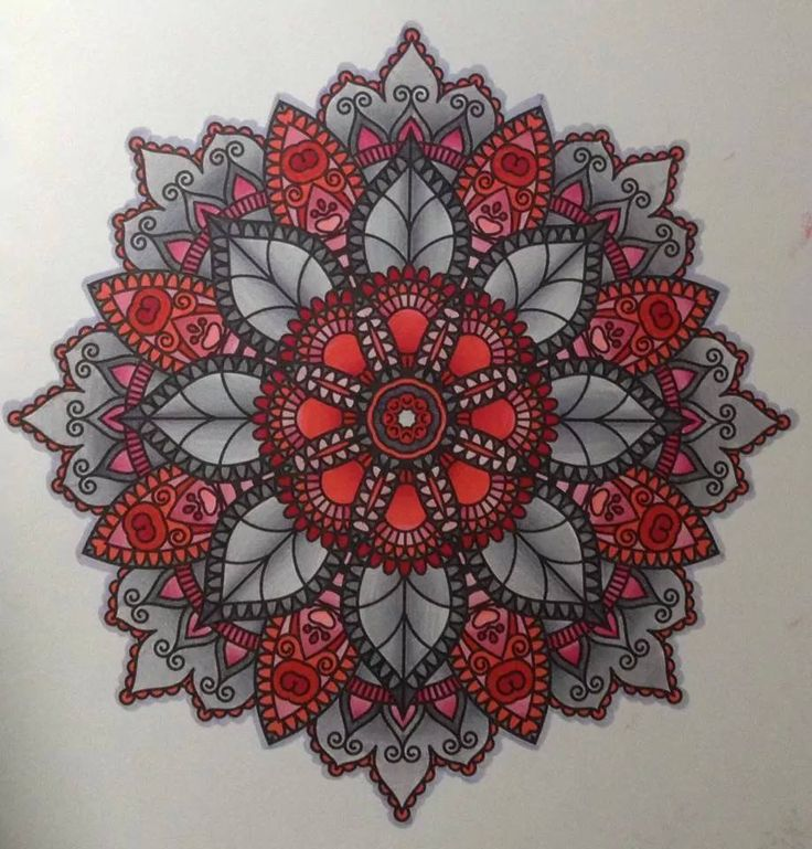 Ik houd normaal niet van mandala's, maar deze van Julie Bouve zijn gewoonweg prachtig ingekleurd