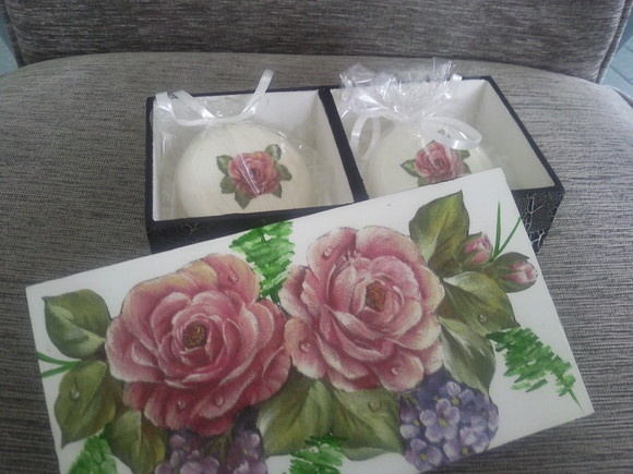 Caixa com sabonete Natura: Doi Sabonet, Sabonet Natura, Sabonet Pode, Sabonete Natura, Sabonet Da