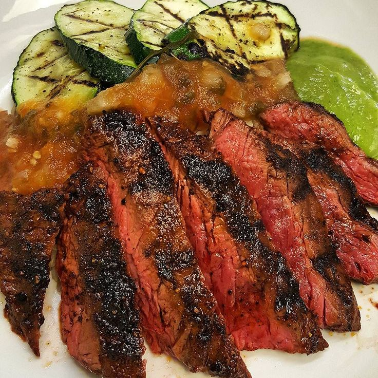 Nice healthy lunch for myself. Grilled skirt steak and grilled zucchini with salsa. #lunch #cheflife #truecooks #delicious #foodporn #skirtsteak #salsa #grilled by chefmattv