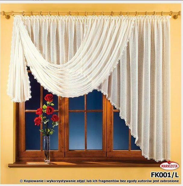 #Firanka_gotowa Marzena 160 x 400 cm kolor biały Elegancka firanka z wysokiej jakości woalu. Firanka zakończona delikatna gipiurą co sprawia, że jest to bardzo gustowna dekoracja okna. U góry firanka ma wszytą taśmę marszczącą co pozwala na swobodną zmianę szerokości firanki.   Rozmiar wysokość: 160 cm  szerokość: 400 cm ( najlepiej wygląda na karniszu 180- 250 cm)    Firanka również dostępna w kolorze białym, w odbiciu lustrzanym oraz innych rozmiarach. kasandra.com.pl