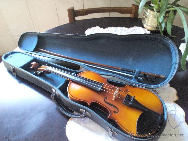 Precioso violin antonius stradivarius.etiqueta 1717. fabricado en 1900 violín medio.con arco y funda