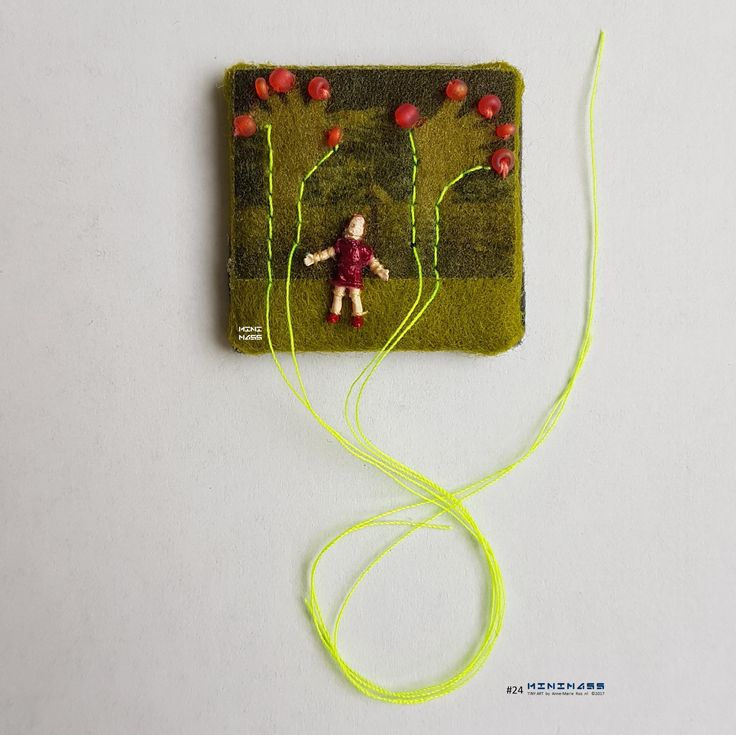 SOLD #24 Applaus voor jezelf- All hands Up for You. minimass® TINY ART by Anne-Marie Ros .nl