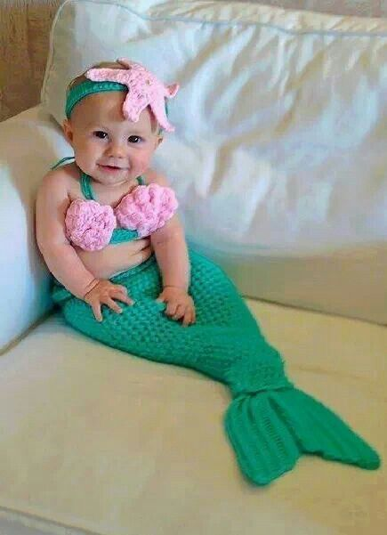 What an adorable little mermaid :)