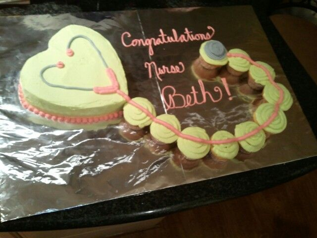Stethoscope Cake/Cupcakes