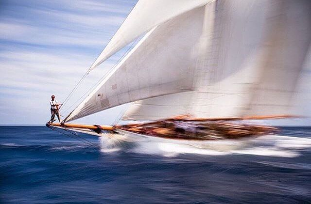 Coral of Cowes sailing in the Old Road Race at the Antigua Classic Yacht Regatta, sponsored by Panerai. Photo credit 📷: Cory Silken #sailing #yachting #sails #sail #Antigua #antiguaclassicyachtregatta #wind #waves #sailboat #instasailing #yacht #sport #racing #yachtracing #crew #sailingstagram #classicyacht #classicyachts #classicboat #secretsailing