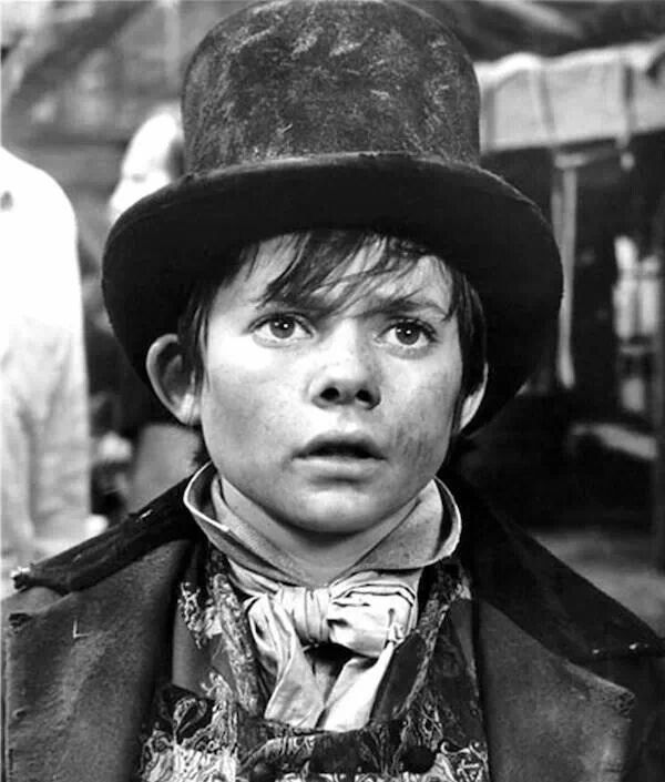 great expectations and oliver twist essay How does dickens present the criminals in oliver twist essay  william priddy,  1ere es1 'great expectations', by charles dickens, presents pip's constant.