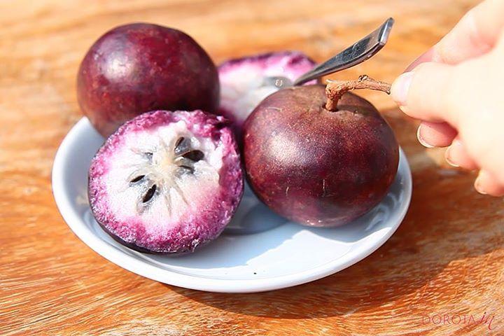 Smaczne gwiezdne jabłko, tropikalny owoc, którego spróbowałam w Kambodży.  http://dorota.in/gwiezdne-jablko/  #kuchnia #zdrowie #dieta