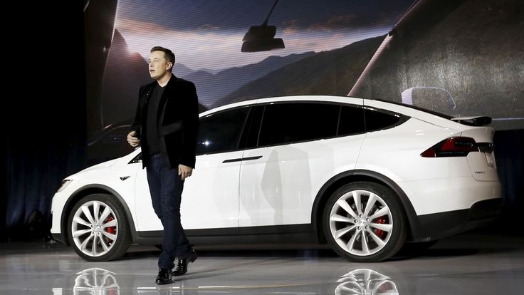 LivemintTesla s electric cars could be cruising down Indian streets this summer, Elon Musk saysQuartzThroughout 2017, Tesla plans to being selling its electric cars in a string of new markets outside the US. One month into the year, the company has already launched in Portugal and Taiwan. It has unveiled plans to roll out its cars in New Zealand ...Elon Musk Hopes To Launch Tesla In India This Summer, But Don t Get Too Excited YetTech TimesTesla