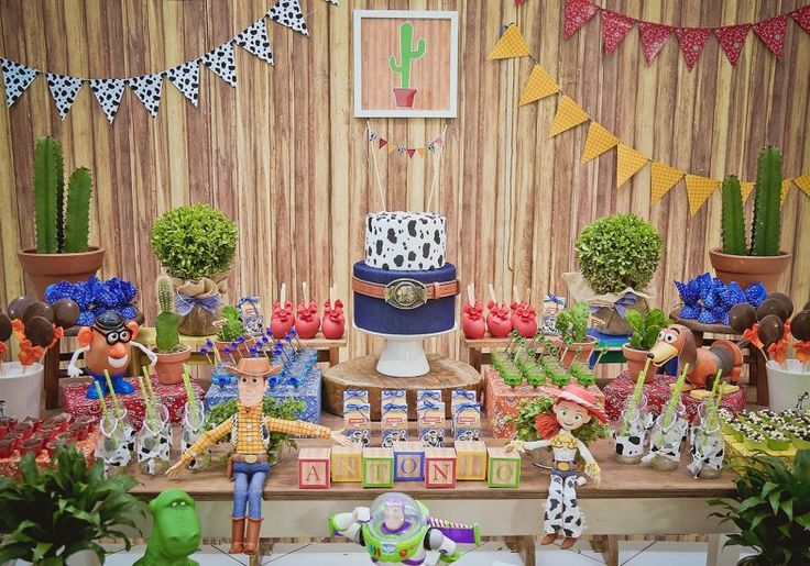 Toy Story: festa infantil decorada com os personagens do filme | MdeMulher