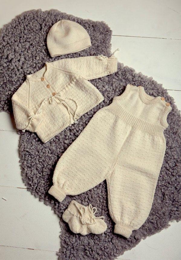 STRIKKEOPPSKRIFTER - Baby Hentesett 226 fra Dale Garn
