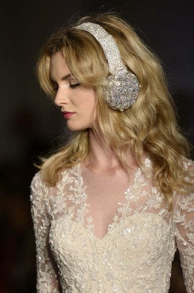 Reem Acra Bridal Fall/Winter 2016 Runway Show