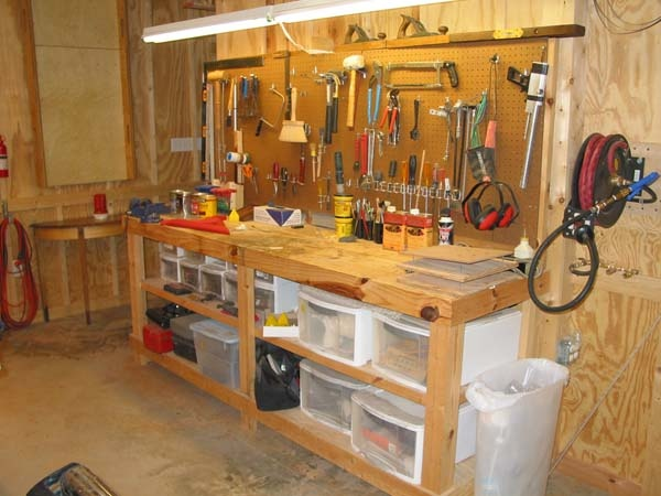 Tool work bench with storage | Workshop Layouts | Pinterest