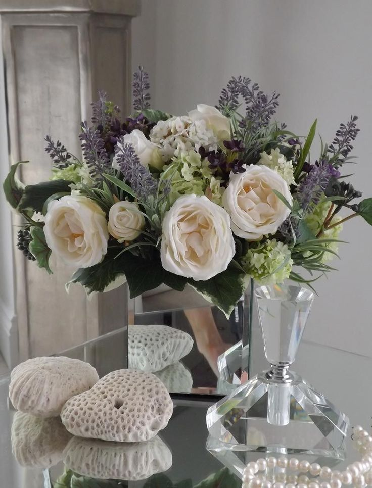 Roses, Guelder Rose, Lavender and Foliage | RTfact | Artificial Silk Flowers