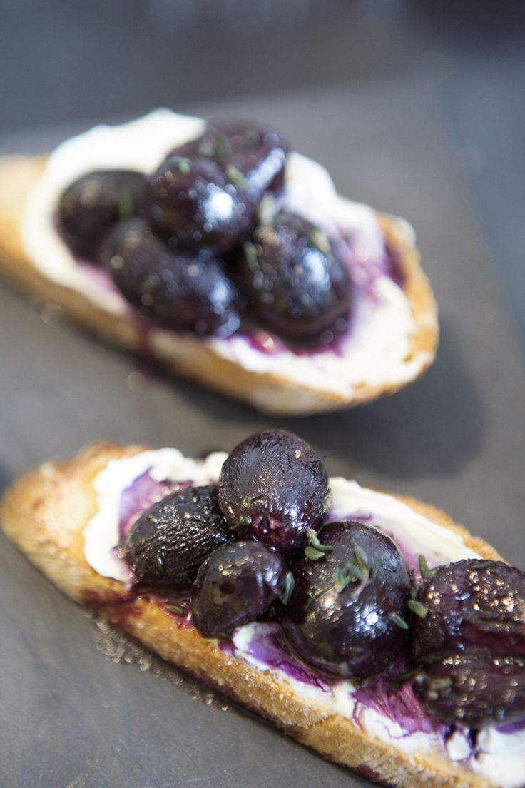 bruschetta with mascarpone and thyme roasted grapes
